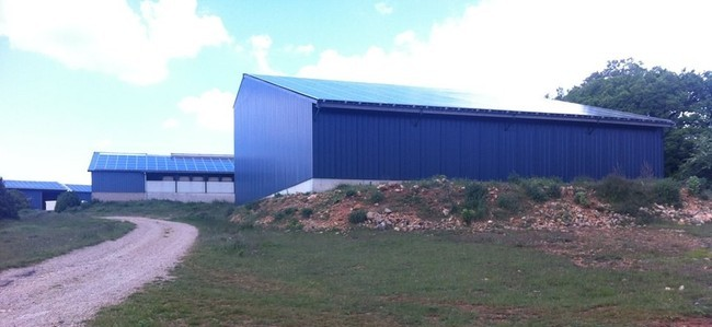 Batiment photovoltaique construction hangar energies renouvelables - Hangar photovoltaique agricole ...